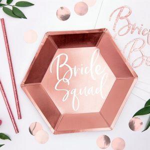 bruiloft-decoratie-papieren-bordjes-bride-squad-rosegoud-3