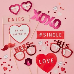 bruiloft-decoratie-photobooth-props-be-my-valentine-2