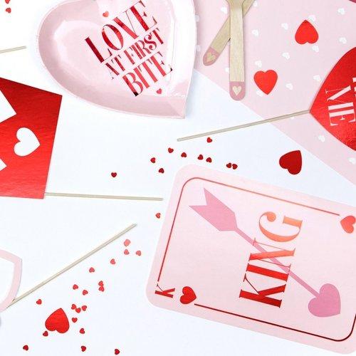 bruiloft-decoratie-photobooth-props-be-my-valentine-king-queen-3