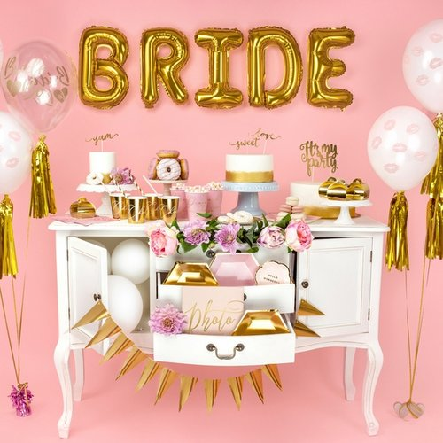bruiloft-decoratie-sjerp-bride-squad-be-my-valentine-2