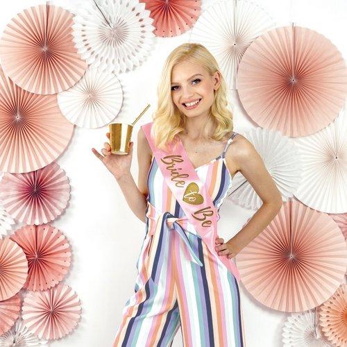 bruiloft-decoratie-sjerp-bride-to-be-pink-gold-2