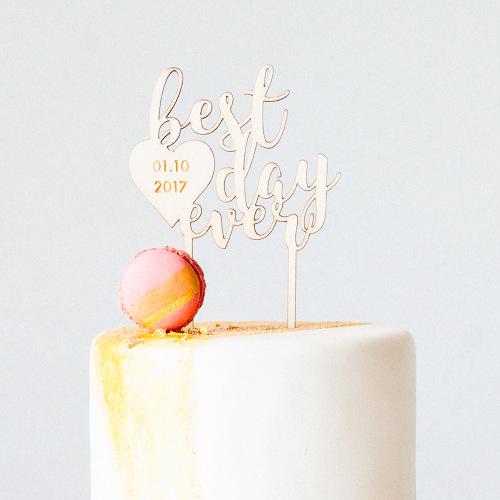 bruiloft-decoratie-taarttopper-best-day-ever-gepersonaliseerd