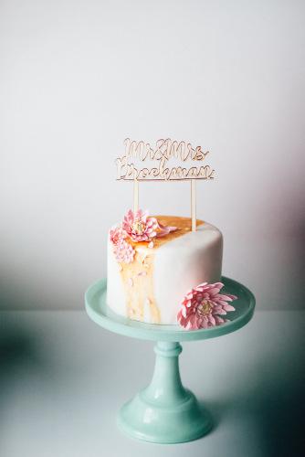 bruiloft-decoratie-taarttopper-mr-mrs-gepersonaliseerd