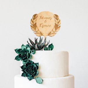 bruiloft-decoratie-taarttopper-veren-gepersonaliseerd