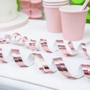 bruiloft-decoratie-streamers-rosegoud-2