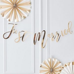 slinger-just-married-gold-wedding (2)