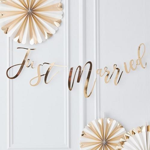 slinger-just-married-gold-wedding (2)