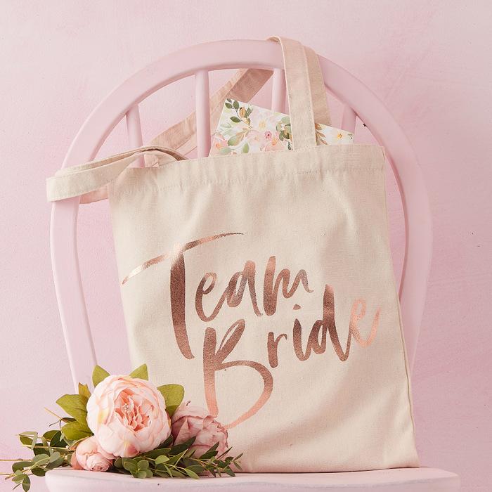 vrijgezellenfeest-decoratie-blog-floral-hen-3
