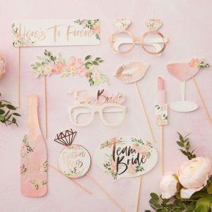 vrijgezellenfeest-decoratie-photobooth-props-floral-hen (1)