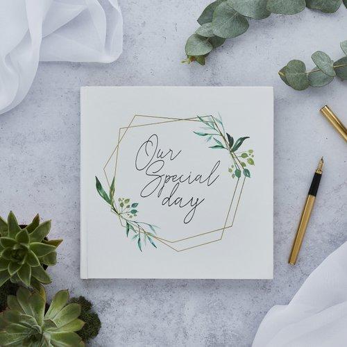 bruiloft-decoratie-gastenboek-our-special-day-geometric-greenery