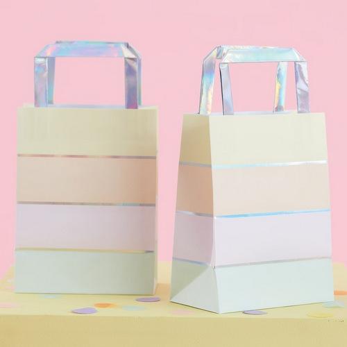 bruiloft-decoratie-papieren-tasjes-pastel-party-2