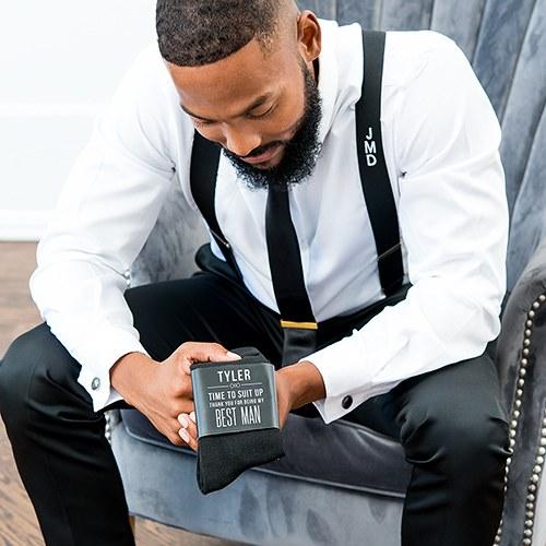 bruiloft-decoratie-sokken-suit-up-gepersonaliseerd-3