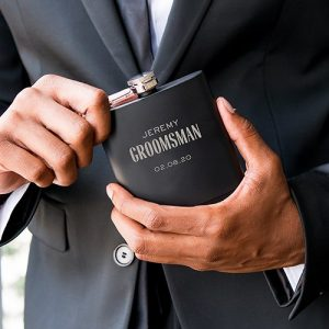 bruiloft-decoratie-whisky-flesje-modern-font-gepersonaliseerd