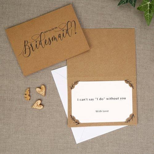 bruiloft-decoratie-bridesmaids-kaarten-hearts-krafts