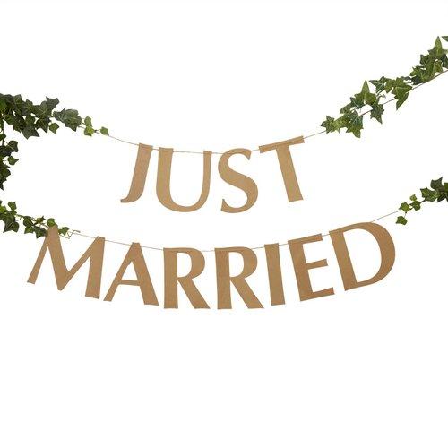 bruiloft-decoratie-slinger-just-married-hearts-krafts-2