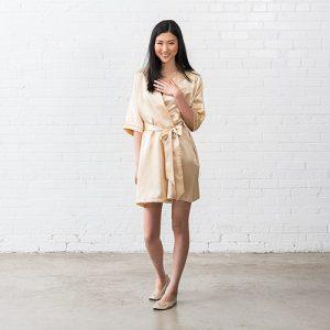 bruiloft-decoratie-zijden-kimono-gold-gepersonaliseerd