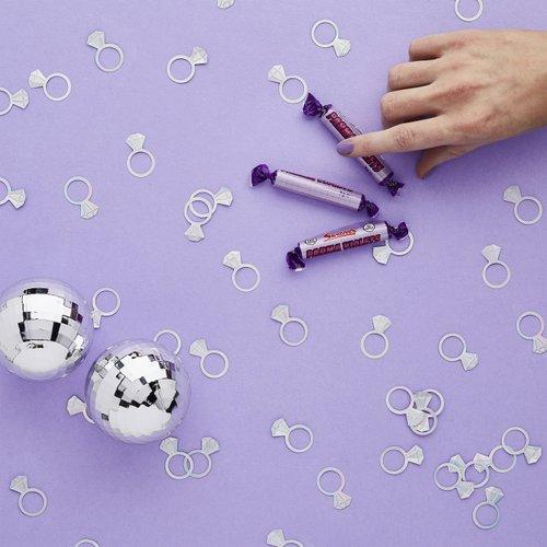 bruiloft-decoratie-confetti-diomand-ring-bride-squad-2