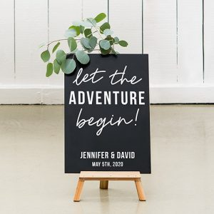 bruiloft-decoratie-krijtbord-let the-adventure-begin-gepersonaliseerd-3
