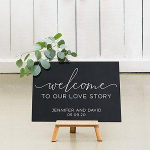 bruiloft decoratie-krijtbord-our-love-story-gepersonaliseerd-3