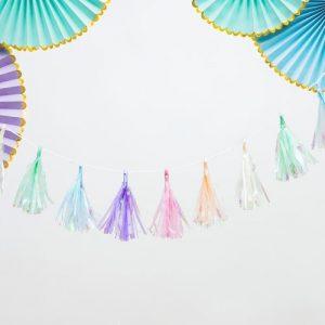 bruiloft-decoratie-tasselslinger-pastel-mix-3