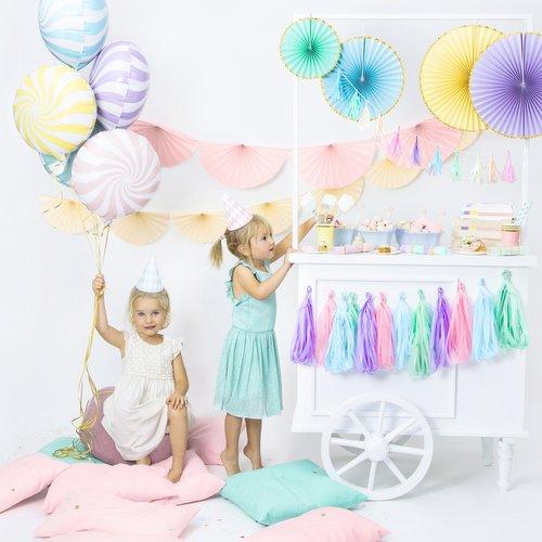 bruiloft-decoratie-tasselslinger-pastel-mix-5