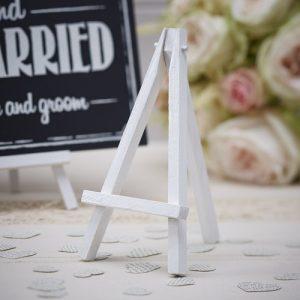 bruiloft-decoratie-mini-houten-schildersezels-vintage-affair