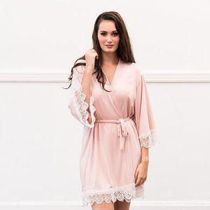 kimono-bride-met-kant-pink