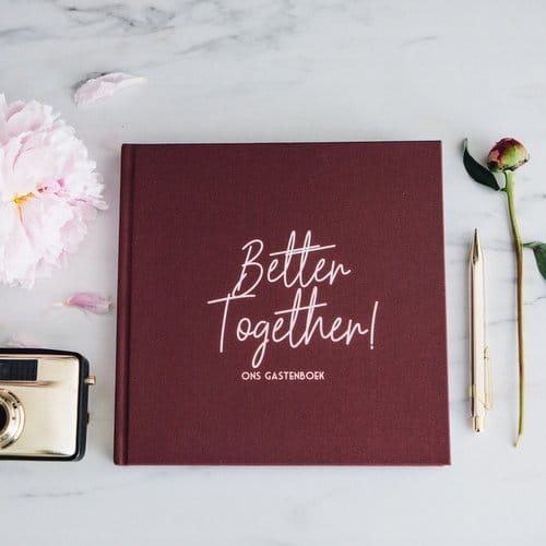 bruiloft-decoratie-gastenboek-better-together-burgundy-13