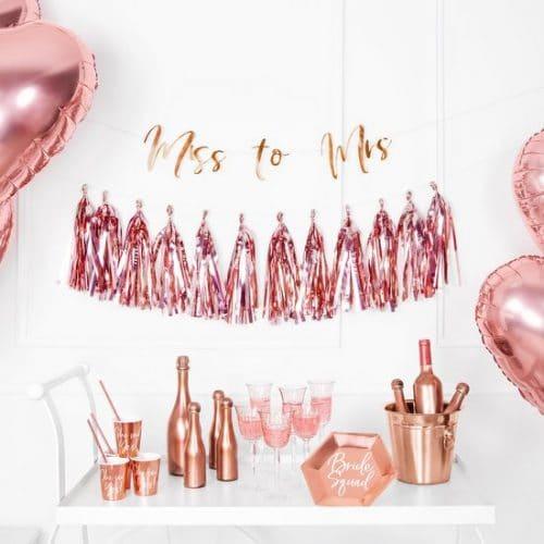 bruiloft-decoratie-slinger-miss-to-mrs-rosegoud-3