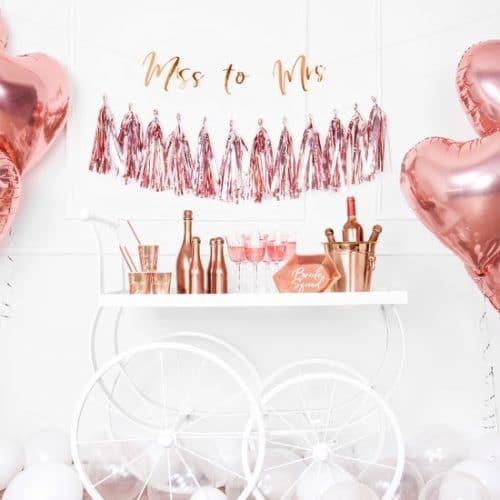 bruiloft-decoratie-slinger-miss-to-mrs-rosegoud-4