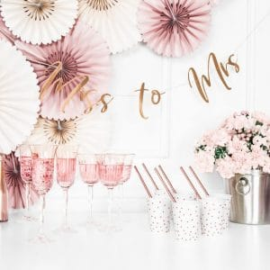 bruiloft-decoratie-slinger-miss-to-mrs-rosegoud-7