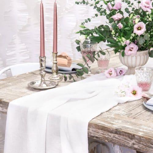 bruiloft-decoratie-tafelloper-muslin-light-cream-2