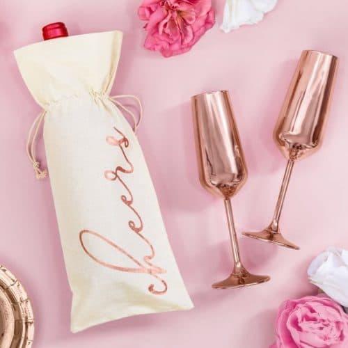 bruiloft-decoratie-wijnflescover-cheers-rosegoud-2