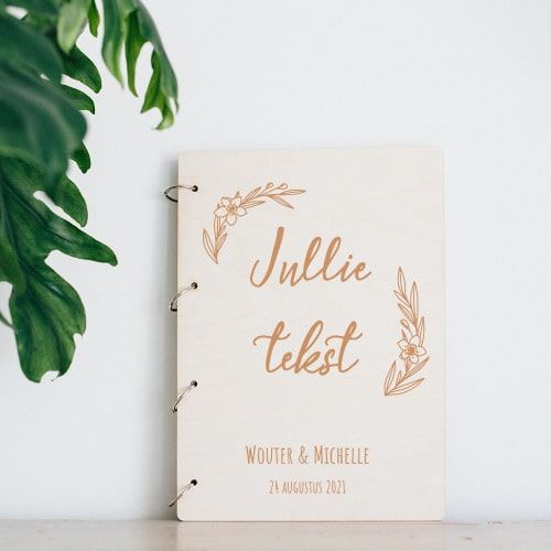 gepersonaliseerd-gastenboek-hout-eigen-tekst-gepersonaliseerd-2