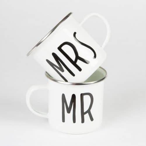 bruiloft-decoratie-metalen-mokken-mr-mrs-2