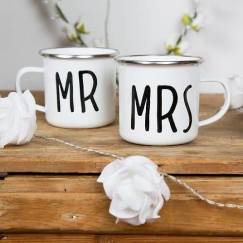 bruiloft-decoratie-metalen-mokken-mr-mrs-4