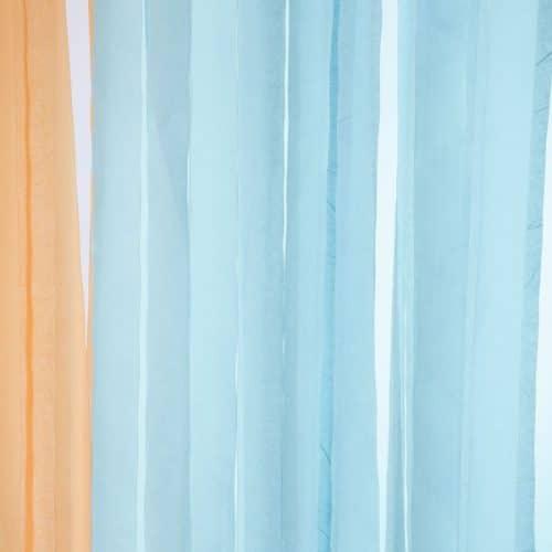 bruiloft-decoratie-crepe-papier-slinger-lichtblauw-3