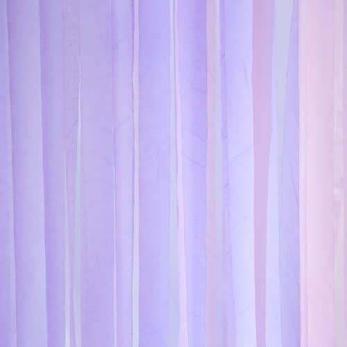bruiloft-decoratie-crepe-papier-slinger-lila-4