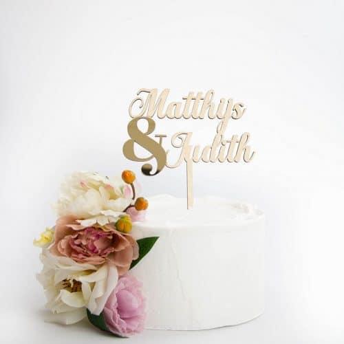bruiloft-decoratie-taarttopper-namen-ampersand