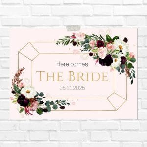 bruiloft-decoratie-blad-here-comes-the-bride-burgundy-rose-eng