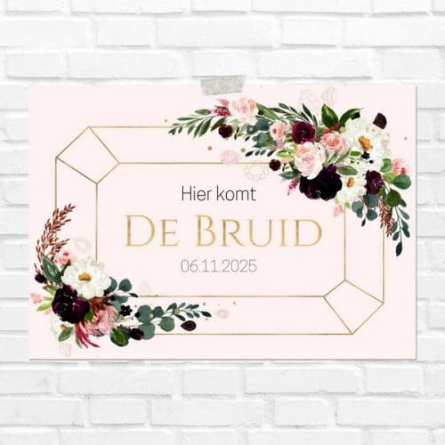 bruiloft-decoratie-blad-here-comes-the-bride-burgundy-rose-nl