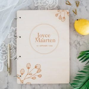 bruiloft-decoratie-gastenboek-hout-botanical-gepersonaliseerd
