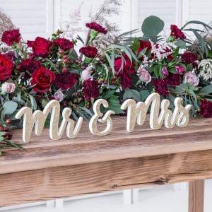 bruiloft-decoratie-houten-letters-mr-mrs-gold-glitter-3