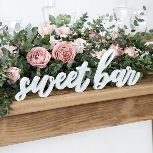 bruiloft-decoratie-houten-letters-sweet-bar-white