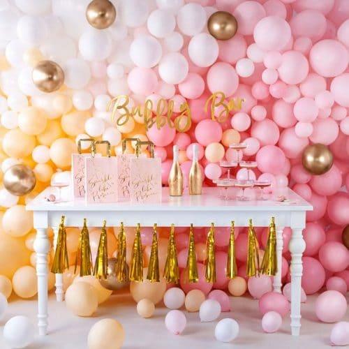 bruiloft-decoratie-papieren-tasjes-prosecco-pink-gold-2