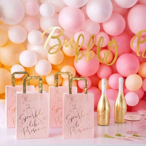 bruiloft-decoratie-plaatskaartjes-pink-bottle-2