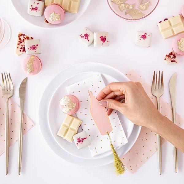 bruiloft-decoratie-plaatskaartjes-pink-bottle-3