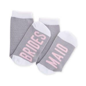 bruiloft-decoratie-sokken-bridesmaid-grey-pink