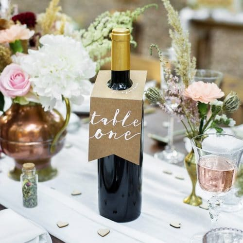 bruiloft-decoratie-tafelnummers-kraft-bottle-holder-3