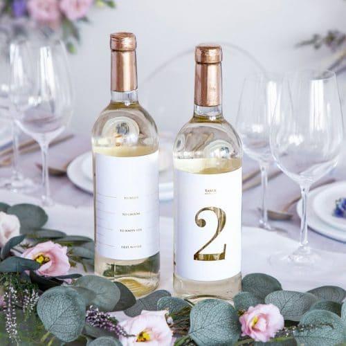 bruiloft-decoratie-tafelnummers-white-gold-bottle-labels-2